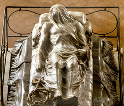 Naples and Pompeii tour - The Veiled Christ by Sammartino in the Sansevero Chapel in Naples