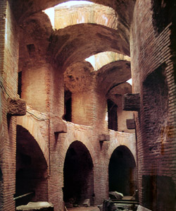 Amphitheater of Pozzuoli and Pompeii - Ambulatory of the Pozzuoli Amphitheater