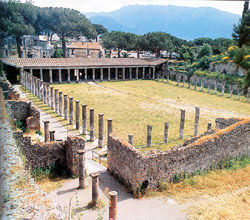 Amphitheater of Pozzuoli and Pompeii - Gladiators' Barracks in Pompeii