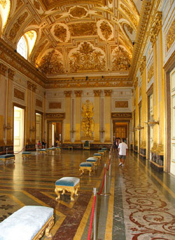 Montecassino and Caserta tour - The throne room, the most prestigious environment of the Palace
