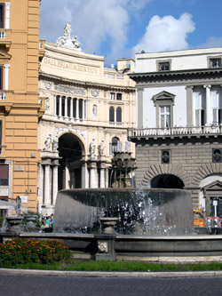 Naples tour - Umberto I's Arcade and the San Carlo Theater in Naples