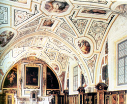 RENAISSANCE IN NAPLES - Ceiling of the sacristy with frescoes by Vasari