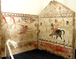 Cuma Paestum tour - The Lucanian tomb in the archaeological museum of Paestum